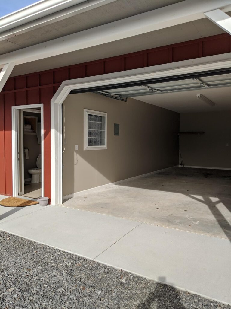 lodging boat garage
